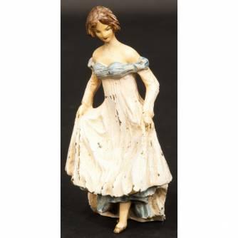 Венская бронза «Дама в платье со шлейфом»