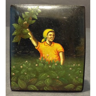 Шкатулка «Работница в саду»