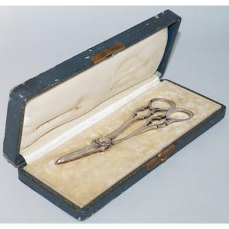 Ножницы для гашения свечей в футляре