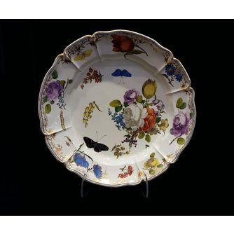 Тарелка в стиле рококо